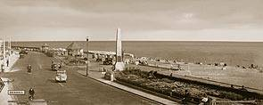 Bexhill [Seafront & Memorial] - Southern Railway